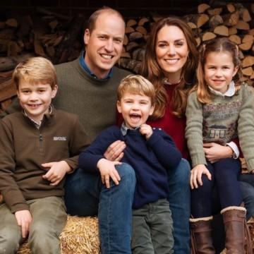 Кейт Мидълтън и принц Уилям – един семеен коледен портрет