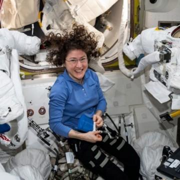 Едно смело момиче в Космоса