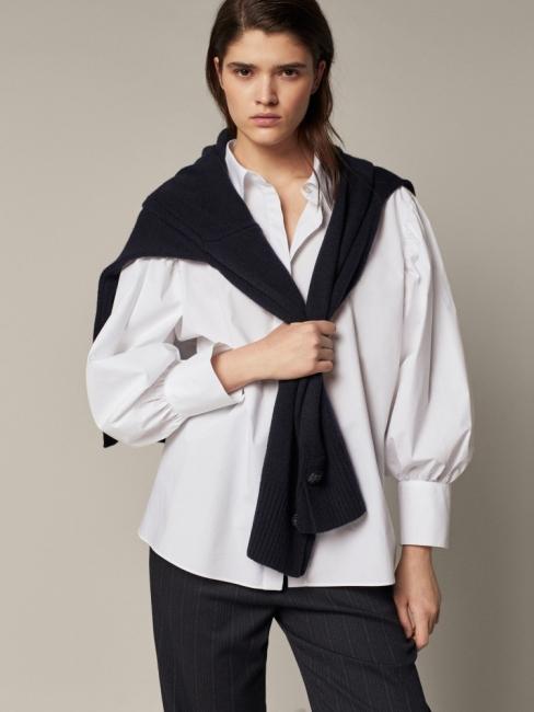 16 стайлинг идеи как да носим бялата риза сега, дори и у дома
