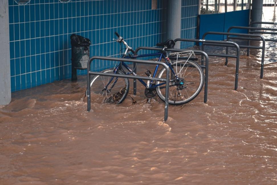 Жълт код. Оранжев код. А знаем ли какво да правим при наводнение?