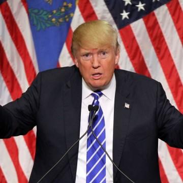 Ще блокират ли Тръмп и в политиката?