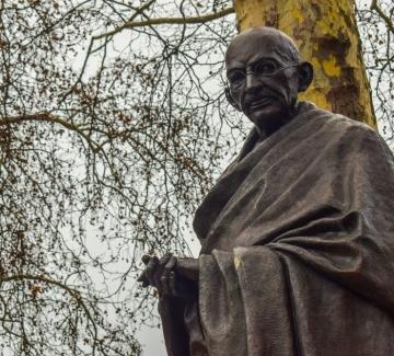 Как направихме Ганди българин