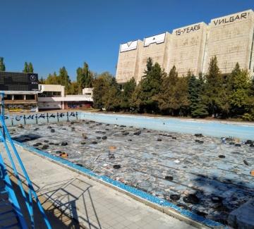 """Обещават нов плувен комплекс на мястото на """"Червено знаме"""""""