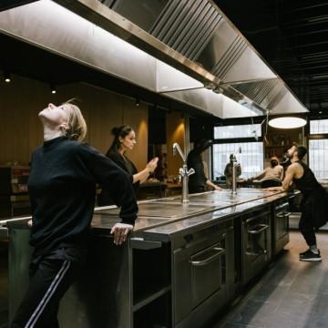 """""""Кухня"""" – спектакълът, който ще ви забърка в тайните на имърсив театъра"""