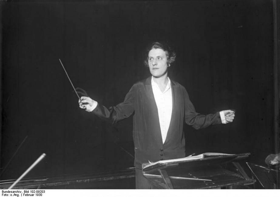 Антония Брико – първата жена диригент