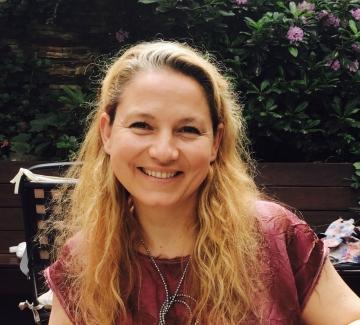 Милка Александрова-Бучи: За модата се говори леко пренебрежително