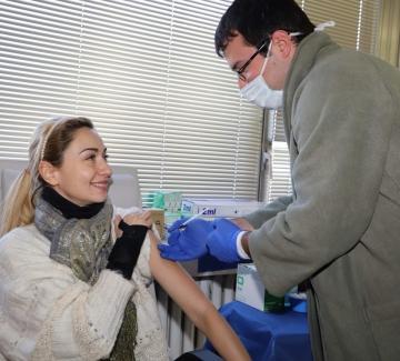 Кои български актьори се ваксинираха срещу Covid-19?