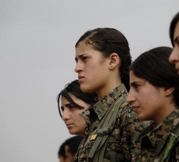 Женският отряд, който воюва срещу Ислямска държава