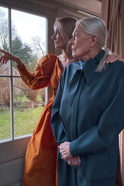 Ванеса Редгрейв и нейните момичета в една завладяваща модна кампания