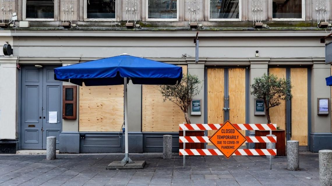 Правителството на съд: нидерландските ресторантьори срещу Covid мерките