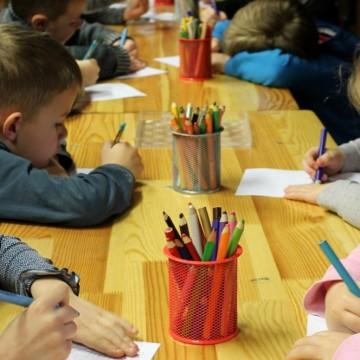 Как Франция успя да запази училищата си отворени