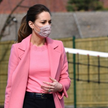 Модно вдъхновение за уикенда: Кейт Мидълтън в розово