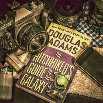 """Дъглас Адамс: """"Днес монументално ми писна от идеята да пиша"""""""