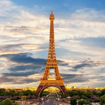 Тежки ограничения във Франция: затварят и училищата