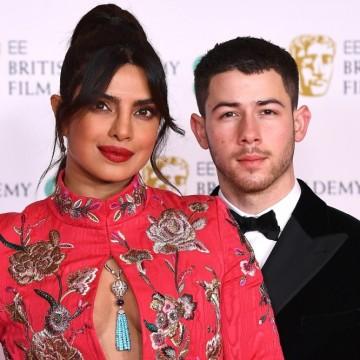 На червения килим на наградите БАФТА