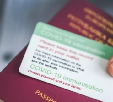 Парадокс: България поставя ваксинираните под карантина