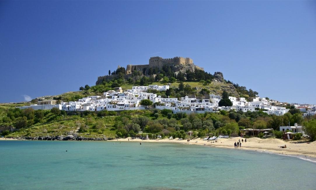 Антиковид експеримент – гръцки остров изолира туристите си напълно