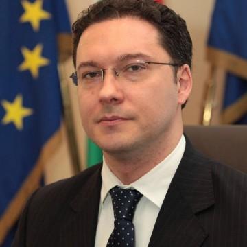 Даниел Митов, който бе обявил ГЕРБ за безразборна група хора