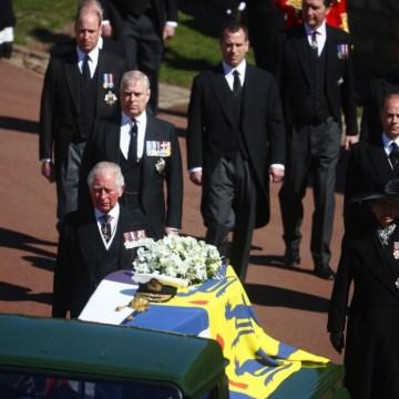 Сбогуването с принц Филип – не по протокол, а по любов
