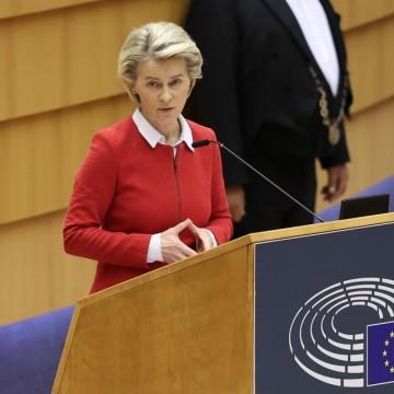 ЕК с нов механизъм за защита на жените, а Фон дер Лайен е обидена за дивана