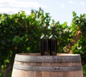 Пием по-малко вино, но не защото така сме решили