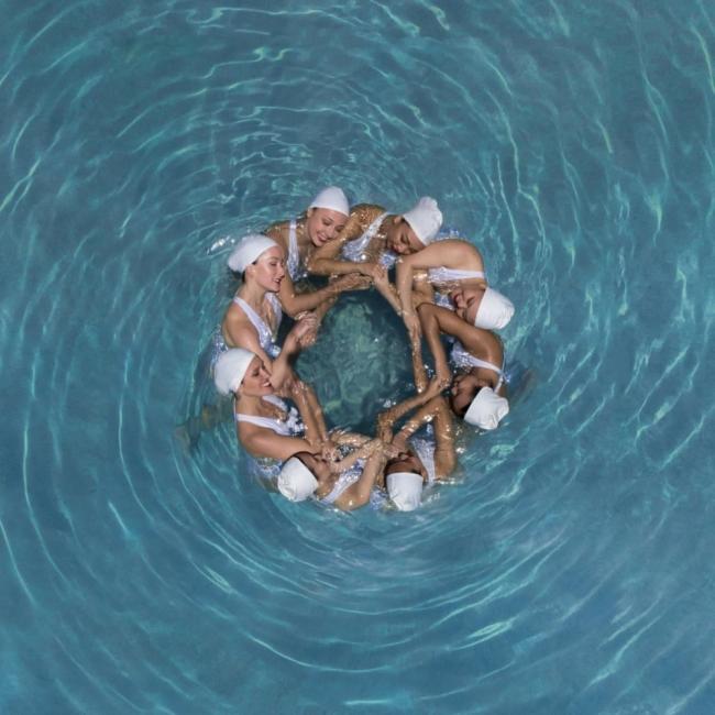 Урок по хармония: синхронно плуване през погледа на дрон
