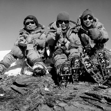 Юнко Табей - първата жена, изкачила Еверест