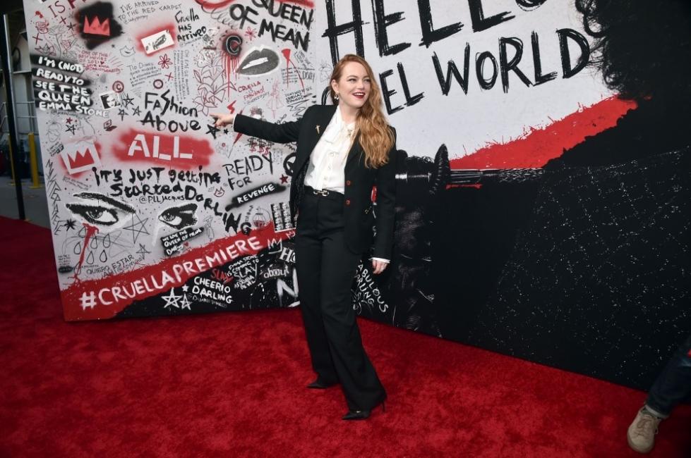 """Ема Стоун - ослепителна на премиерата на """"Круела"""""""