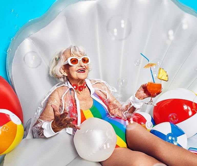 Блондинката, която преоткри живота на 92 години