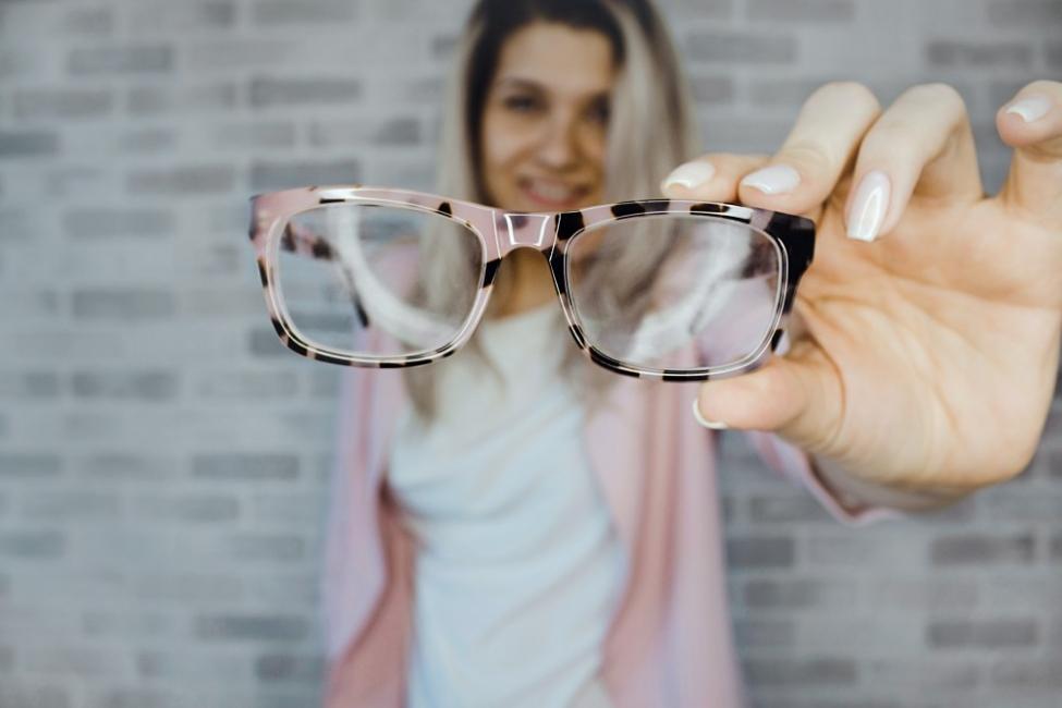 Диоптричните очила – как да изберем правилните за нас
