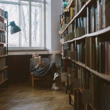 7 книги на съвременни български автори, които си заслужава да прочетете