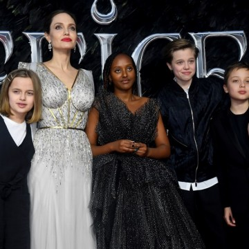 Анджелина Джоли в поредна битка за децата си