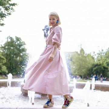 Днес носим: миди рокля на Vintage Summer в комбинация с кецове