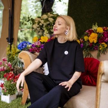 Модно вдъхновение за уикенда: Минимализъм в черно и бяло