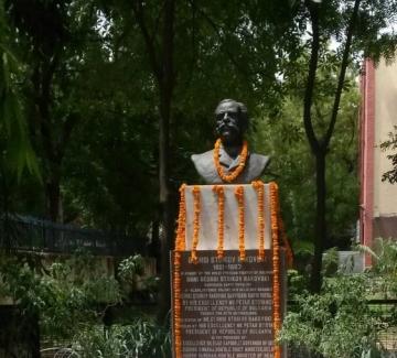 12 училища в Индия носят името на Георги Раковски
