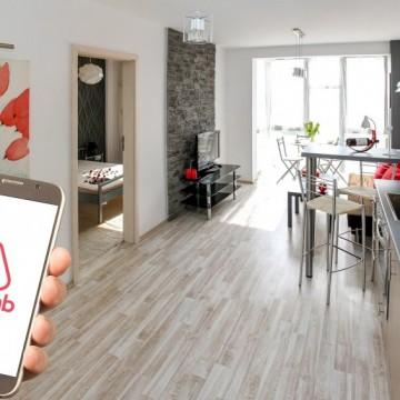 Когато наемеш апартамент от Airbnb, а вътре те чака насилник с нож