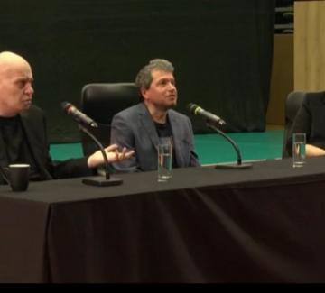 """Слави Трифонов пред студентите: """"Защото защо завършва на о"""""""