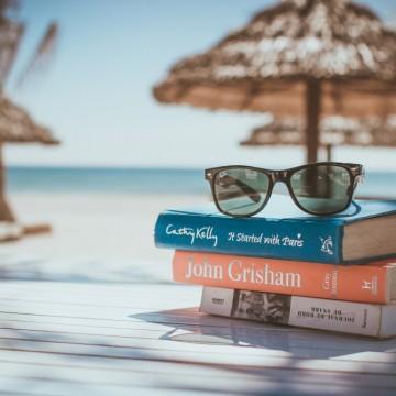 5 книги, с които да помечтаем на плажа