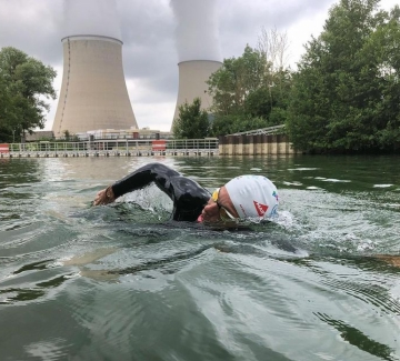 Защо синът на кметицата на Париж плува 775 км по Сена?