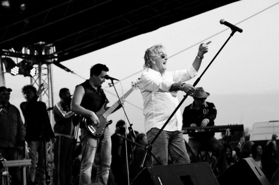 Почина Джон Лоутън от Uriah Heep