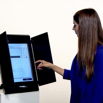 Изпробвайте как се гласува машинно в 3 метростанции в София