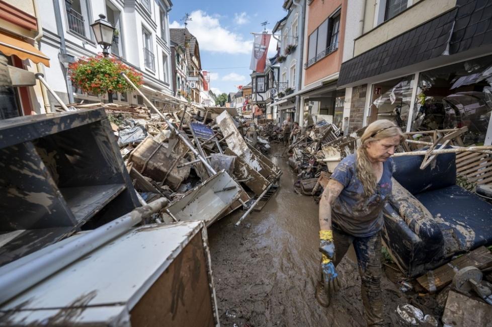 Германия и Белгия: Над 180 жертви - Меркел остана без думи