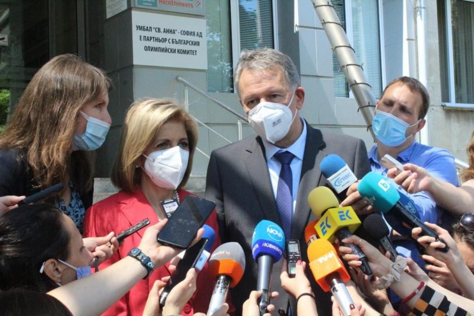 Лекари се обявиха в защита на д-р Стойчо Кацаров