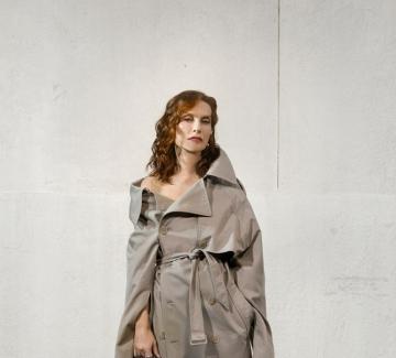 Невероятната Изабел Юпер в новата кампания на Balenciaga