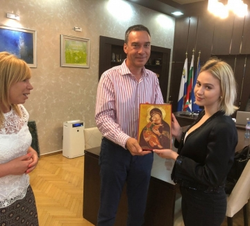 Мария Бакалова у дома - става почетен гражданин на Бургас