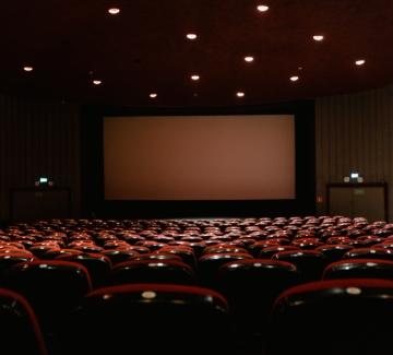Хибридно кино:  Warner Bros. с премиери и на голям екран, и в интернет