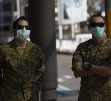 Армията в Сидни помага за налагането на локдаун