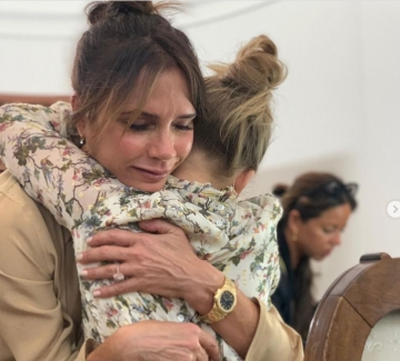 Каквато майката, такава и дъщерята - Виктория Бекъм и Харпър в един стил