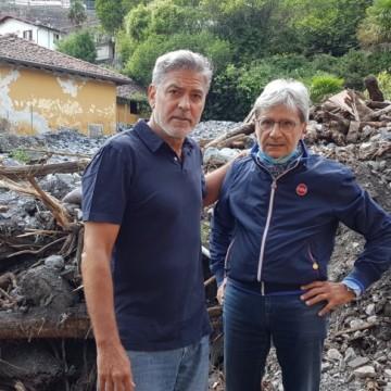 Джордж Клуни помага на местните в община до Комо след проливните дъждове