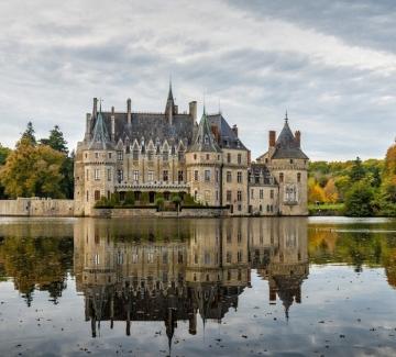 Как можем да станем съсобственици на замък във Франция за 79 евро?